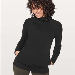 Lululemon Turtleneck Pullover Sweatshirt
